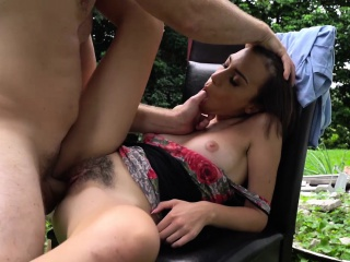 Amber Faye is up for an outdoor quickie in exchange for cardinal