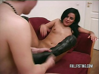 Hard And Deep Pussy Fisting Relating to A Tight-fisted Pussy