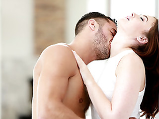 Pulchritudinous Jodi Taylor gets fucked sweetly and receives cumshot