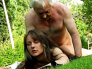 Old sponger gets her pecker sucked hard by a brunette babe