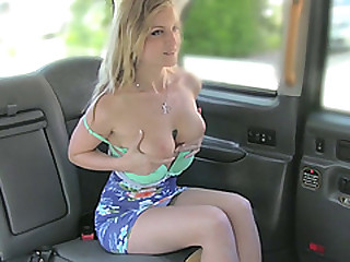 Imprecate hot blonde Canadian babe gets a free hot sex in the air the cab