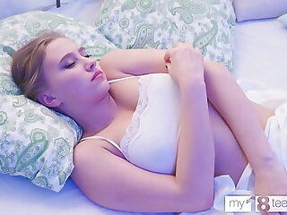 MY18TEENS - Cute ungentlemanly singular in the bedroom