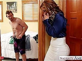 Nasty mom Eva Notty fucking locate with her tits